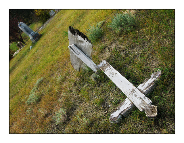 Old Graves of Clinton Abandoned
