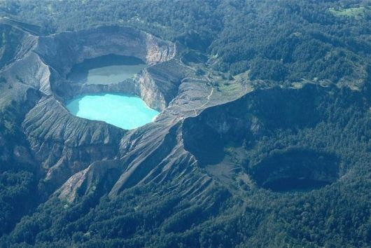 indonesian tricolored lakes 01 (1) -