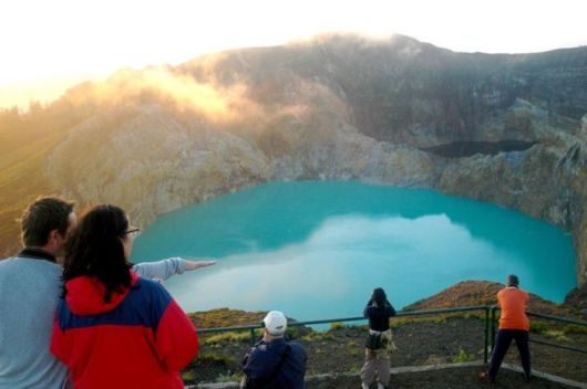 indonesian tricolored lakes 02 -