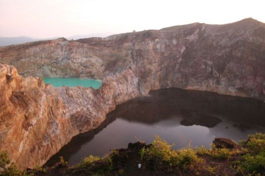 indonesian tricolored lakes 03 -