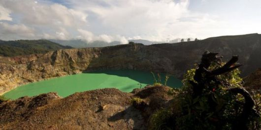 indonesian tricolored lakes 06 -
