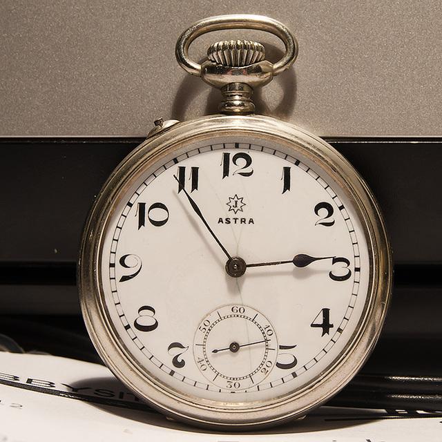 junghans-astra Horloges
