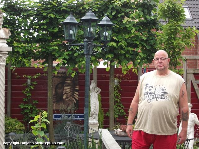 Tuin - nieuwe lantaarnplaal plaatsen 03-07-13 (29) Lantaarn en Censor 03-07-13