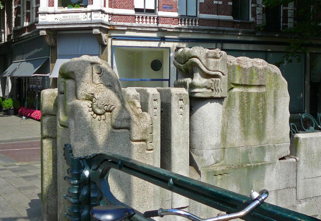 nijlpaardbrugP1070483bc - amsterdam