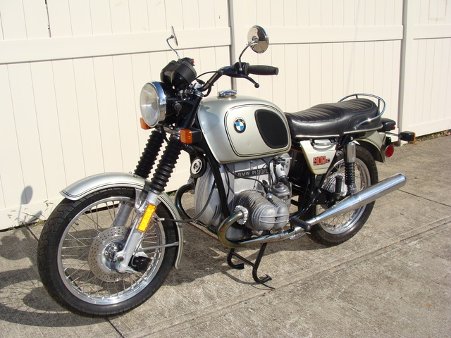 4962215 '76 R90-6, Silver 001 4962215 '75 R90/6, Silver. 24 Ltr. Fuel Tank. 10 K Service, plus complete end to end Mechanical Rehab. Under 37,000 Miles.