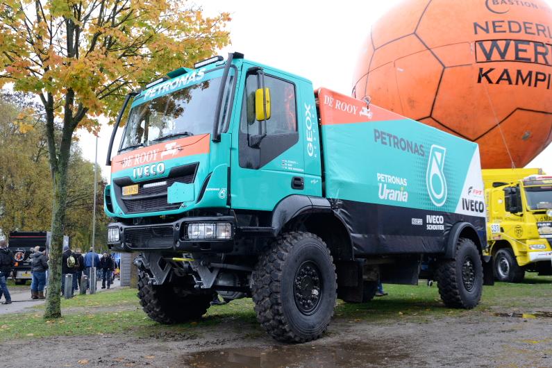 SP Iveco Trakker Petronas Team De Rooy Dakar 2014  -