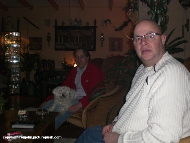 Bas op bezoek 07-02-09 01 In huis 2009