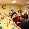 R.Th.B.Vriezen 2013 12 15 9384 - Kerstmarkt gezamenlijk eten...