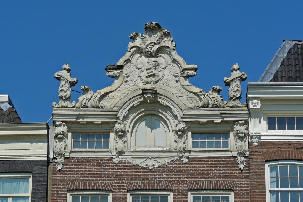 lijstgevelsP1060514 - amsterdam