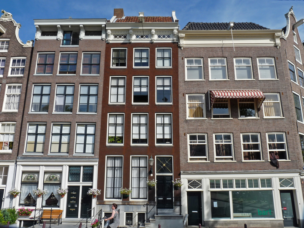 lijstgevelsP1280287 - amsterdam