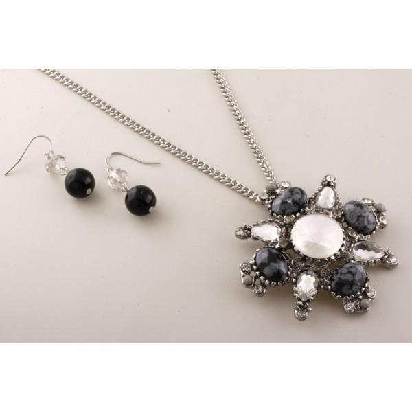 BLACK CLEAR ACRYLIC BEAD RHODIUM PENDANT NECKLACE  Fashion Necklace
