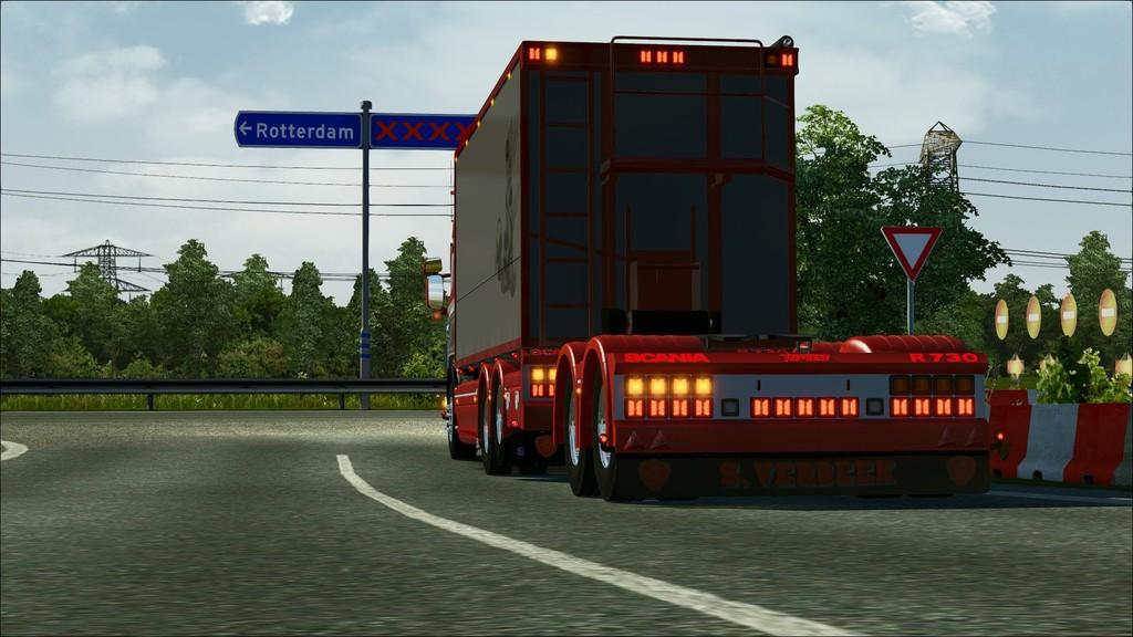 eurotrucks2.exe DX9 20140301 155239 -
