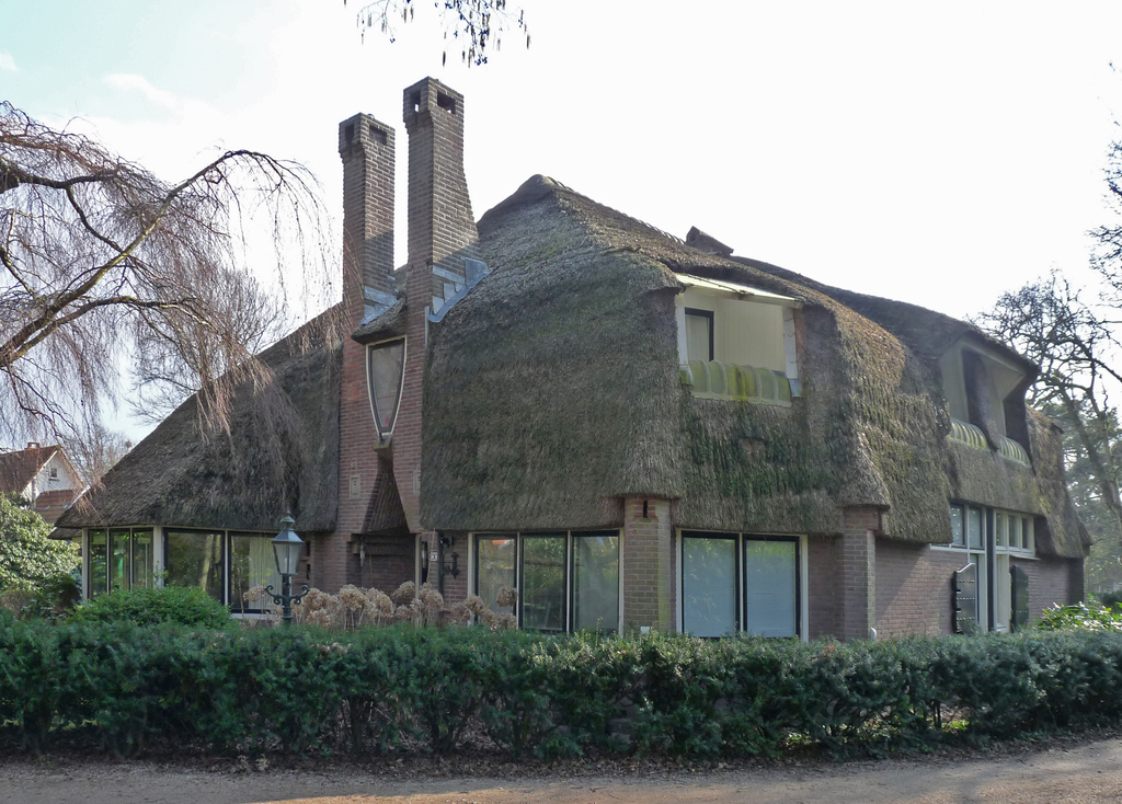 P1350845bb - Amsterdamse School