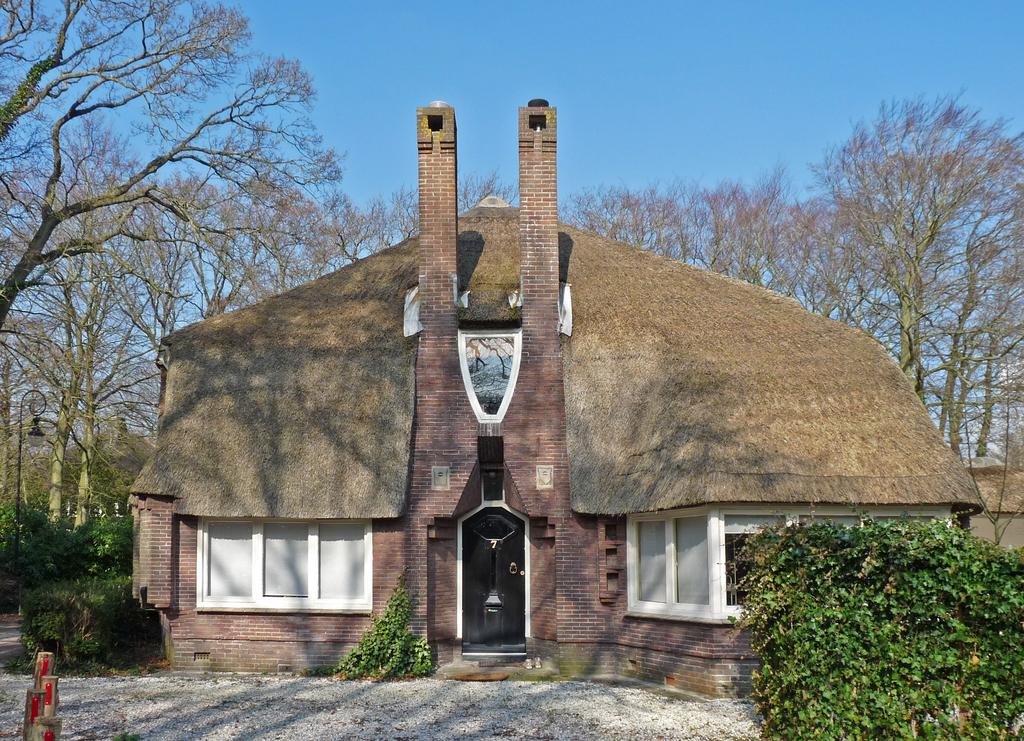 P1350851b - Amsterdamse School