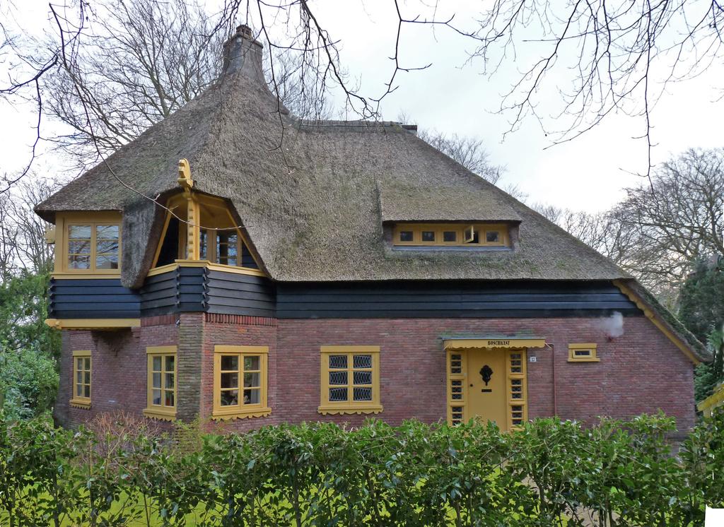 P1350869bccc - Amsterdamse School