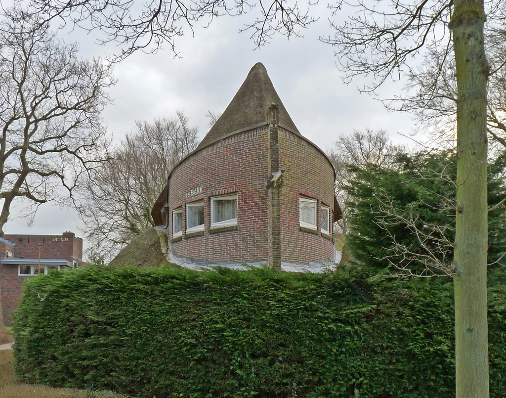 P1350873bbb - Amsterdamse School