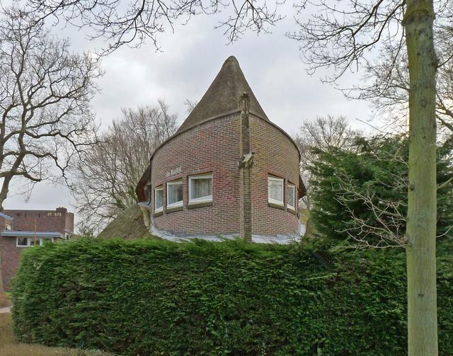 P1350873bbb Amsterdamse School
