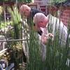 Hans en Riet op bezoek 21-0... - In de tuin 2014