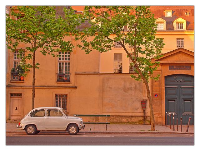 - Fiat 500 in Paris France