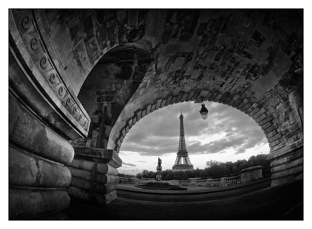Pont de Bir-Hakeim B&W France
