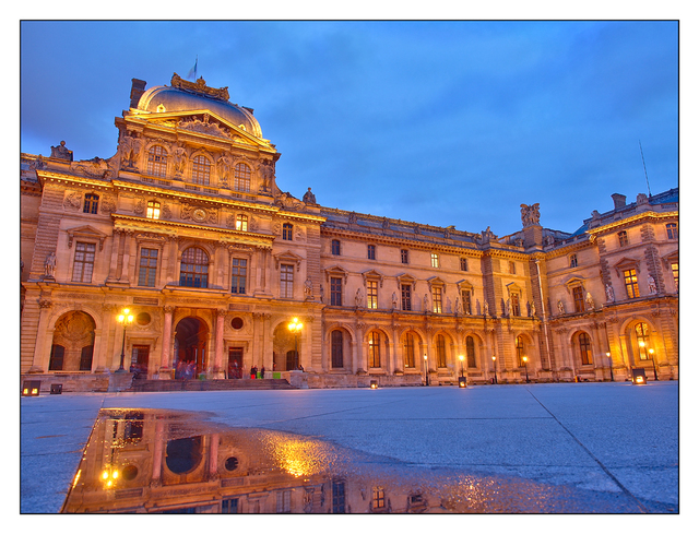 - Louvre Pavillon Sully France