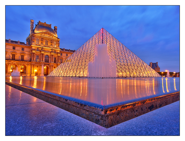 - Musee du Louvre France