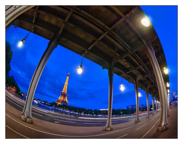 - Pont de Bir-Hakeim France