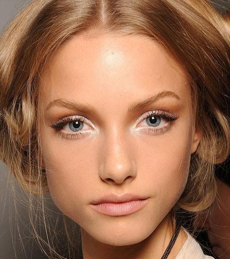 beautiful-blonde-blue-eyes-eyeshadow-fashion-makeu Picture Box