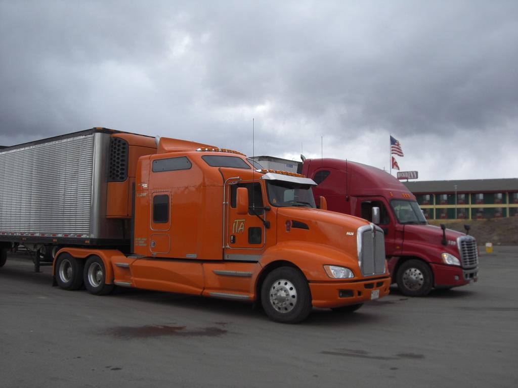 CIMG9120 - Trucks