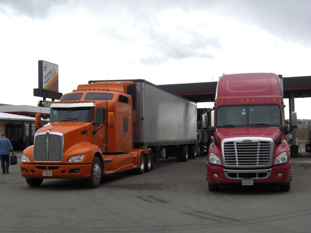 CIMG9117 - Trucks