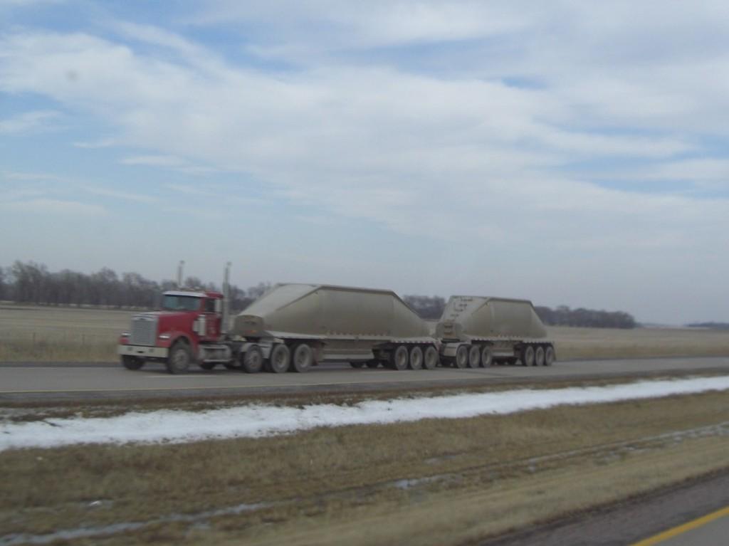 CIMG9220 - Trucks