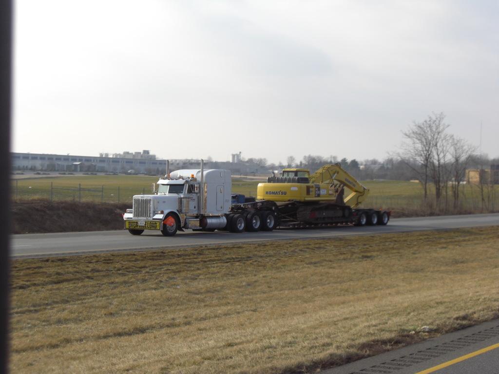 CIMG9318 - Trucks