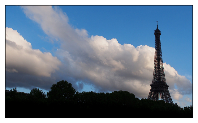 Tour Eiffel Clouds France