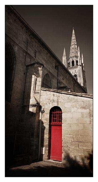 Eglise Saint Jean-Baptiste Red door France