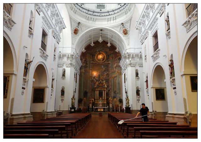 Iglesia Jesuitas Cleaner Spain