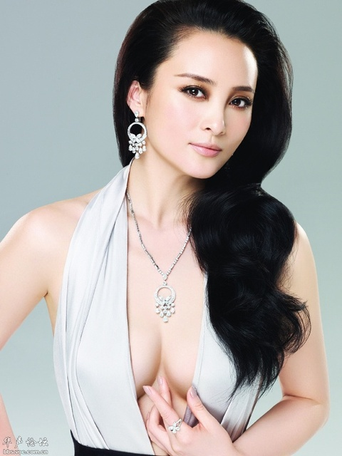 Jiang Qinqin (18)  Auralei Purity Creameven easier, 3 of the