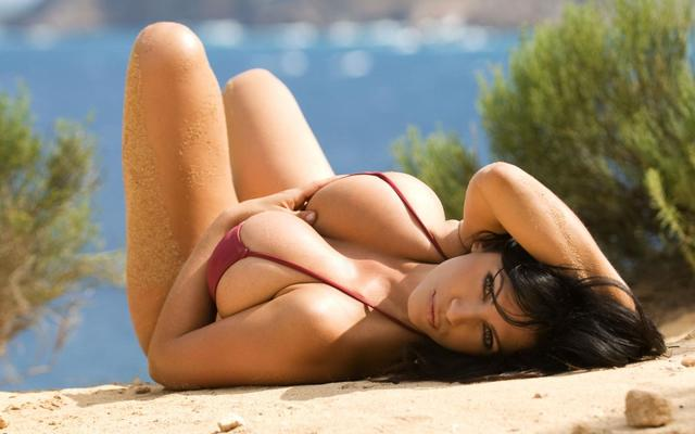 hot-fashion-beach-girls-wallpaper-hd-pictures-2013 Picture Box