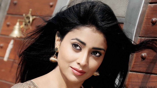 hd51 Shriya Saran Wallpapers