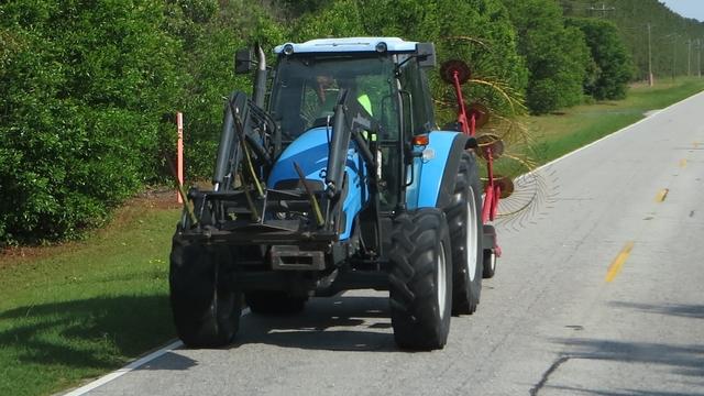 IMG 2728 Ciągniki rolnicze i maszyny budowlane