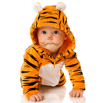 12-baby-wearing-tiger-costume-shutterstock 7611968 Vitapulse