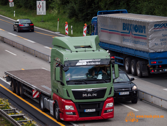 view from a bridge truck-pics (99) View from a bridge 2016 powered by www.truck-pics.eu