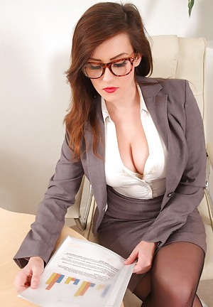 office-boobs-26621464 Picture Box