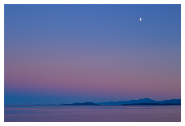 Point Holmes Moon 2016 01 Landscapes