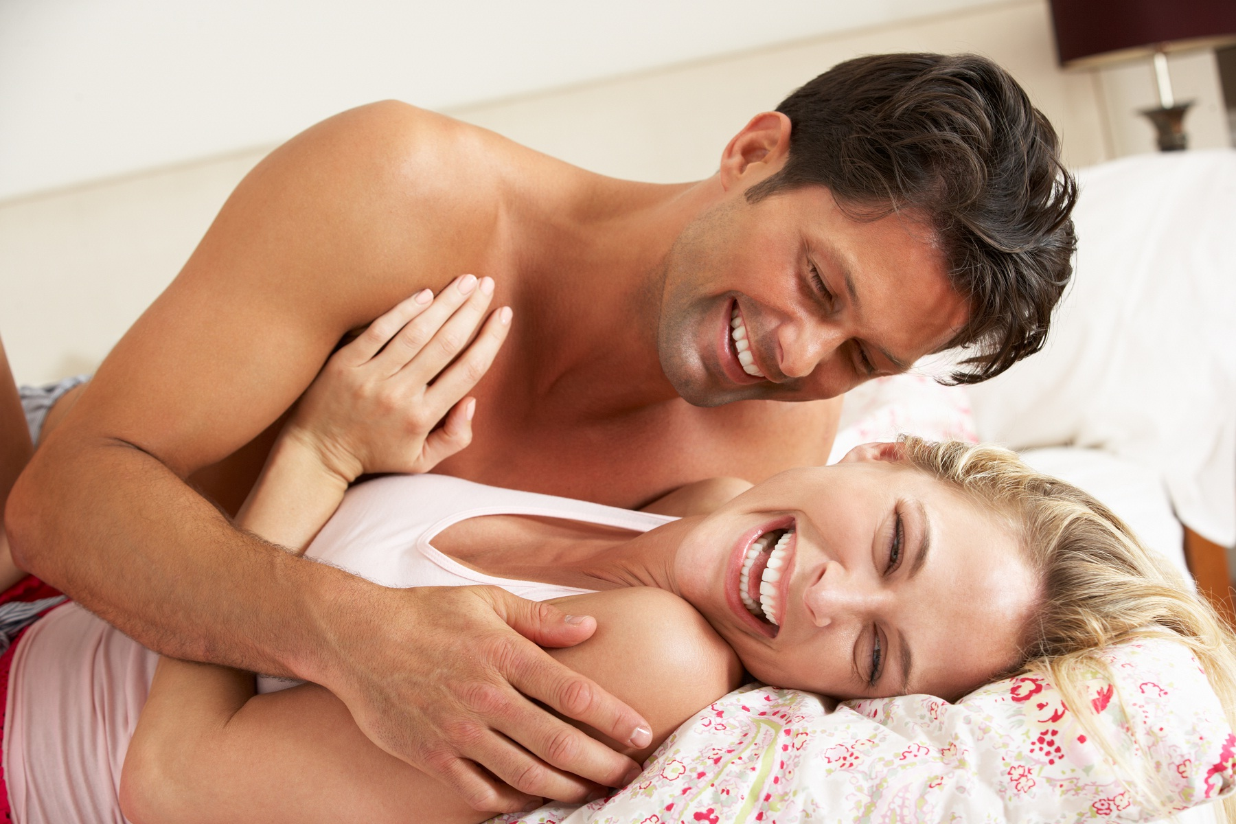 Most romantic bedroom kisses - Best Couple Romance In Bedroom Best Couple Romance In Bedroom Http Www Kingsizemaleenhancements