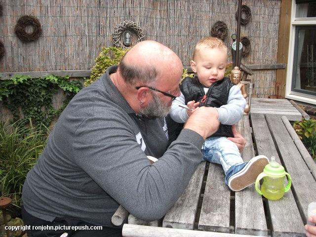 Jeroen en Liam op bezoek 12-10-16 3 In de tuin 2016