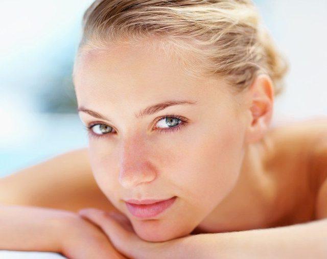 Easing-out-under-eye-wrinkles-way-back-into-the-su http://faceskincarecream.org/revyve-ageless-eye-serum/
