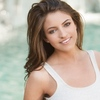 brown-hair-smile-blurry-t-s... - Picture Box