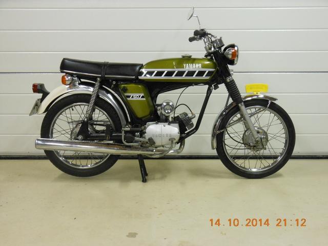 Yamaha's 14-10-2014 005 1976 FS1-P Kenny Roberts Ivy Green