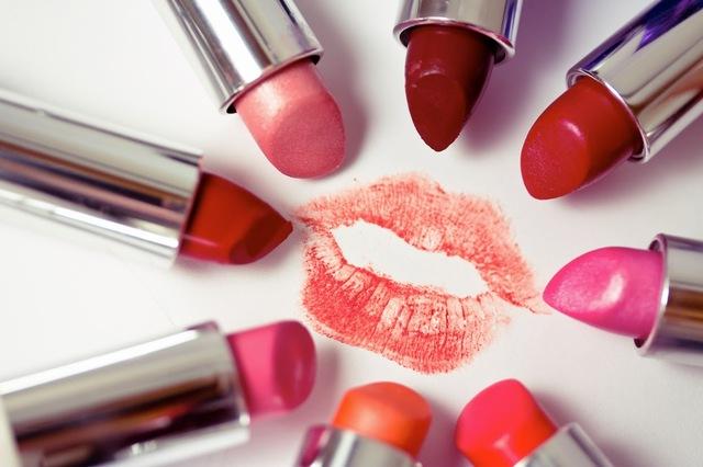 Maklon Lipstik | Jasa Maklon Kosmetik Harga dan Bi Produsen Kosmetik Natural Indonesia ber Sertifikat BPOM dan LP POM MUI