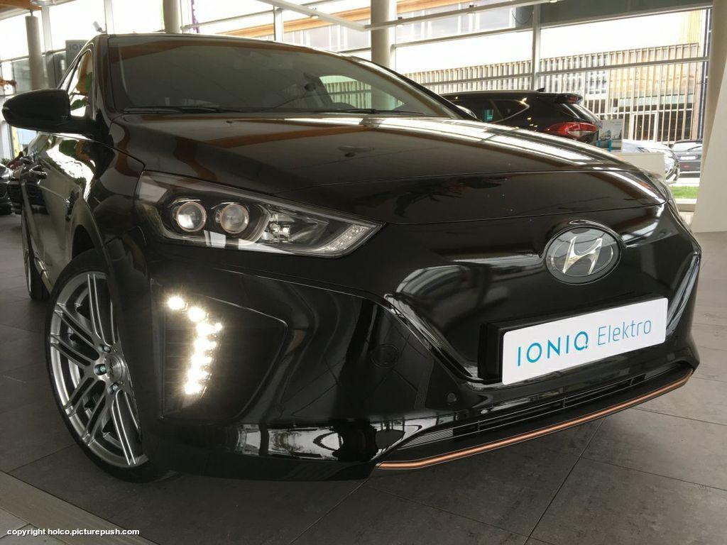 https://www1.picturepush.com/photo/a/15794132/1024/Hyundai-Ioniq-Electric/18422150-10154273533742493-4435351324729565716-o.jpg